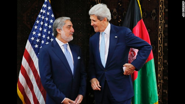 Kerry scrambles to prevent Afghan crisis