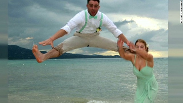 Goofy wedding pic goes viral
