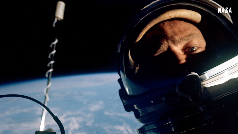 Buzz Aldrin and the first space selfie - CNN Video