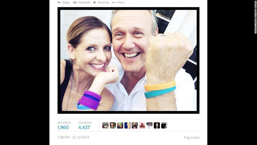 "Note to self: Start hanging out with Sarah Michelle Gellar. The former ""Buffy"" star staged a mini-reunion with co-star Anthony Head on July 22 as they showed off their wristbands for<a href=""http://www.cooltobekind.org.uk/"" target=""_blank""> Cool To Be Kind</a>, Head's organization that supports acts of kindness to animals. So what's the rest of the cast up to these days? Let's find out:"