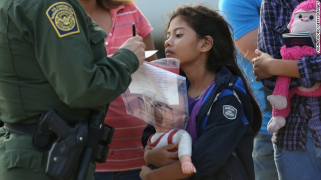 Trump administration moves to detain migrant families longer