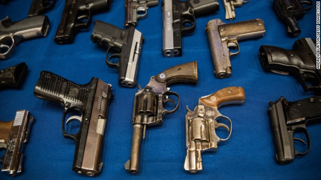 Sheriff rallies for stronger gun laws