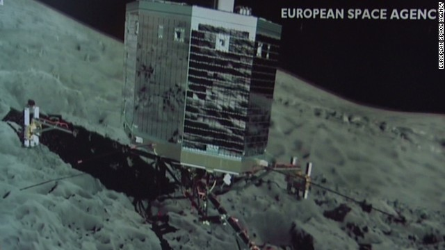 Rosetta spacecraft first to orbit a comet