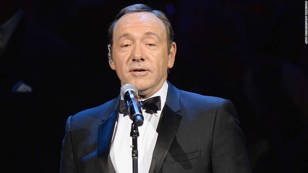 "Like Harris, Kevin Spacey isn't afraid to shut down an out-of-line audience member. When a phone began ringing during a performance of Spacey's one-man show, ""Clarence Darrow,"" the actor <a href=""http://www.independent.co.uk/arts-entertainment/theatre-dance/news/house-of-cards-kevin-spacey-tells-off-audience-member-after-phone-rang-during-clarence-darrow-9488729.html"" target=""_blank"">swiftly threatened -- while still in character</a> -- ""If you don't answer that, I will!"""
