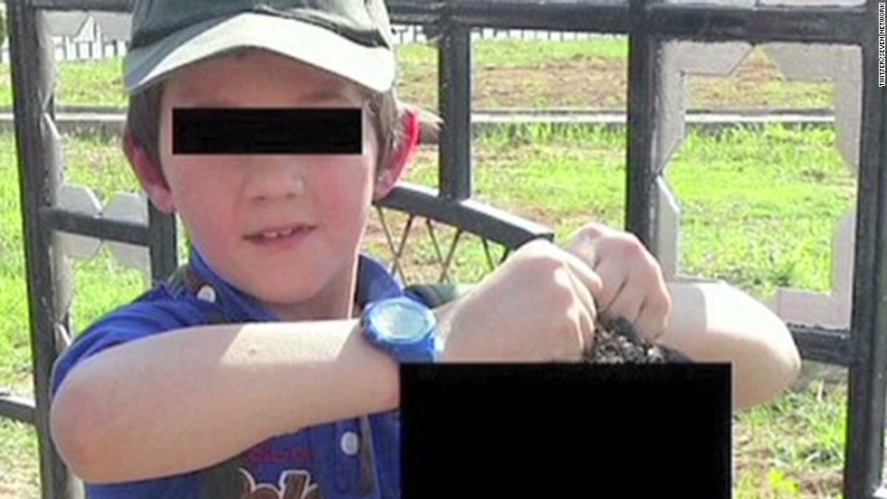 'Radicalized' father of Australian boy holding severed head has mental illness