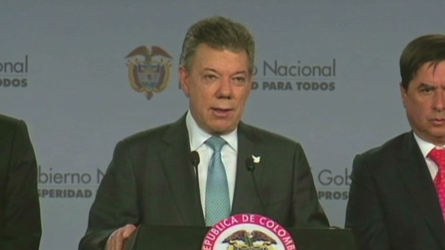 cnnee pkg colombia fernando ramos peace negotiations_00015314.jpg