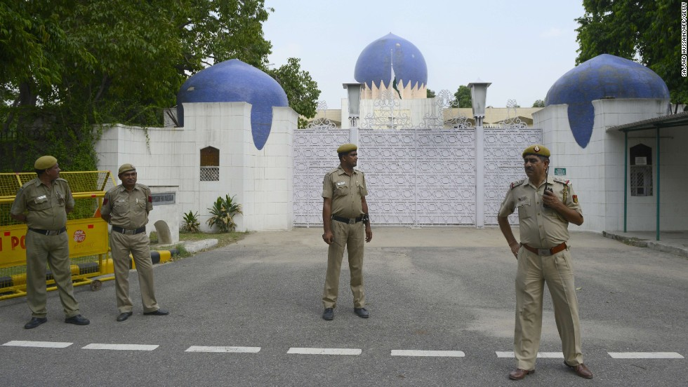 India calls off Pakistan talks over separatist meetings