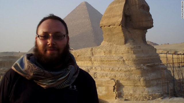 Does the Sotloff video hold clues on ISIS?