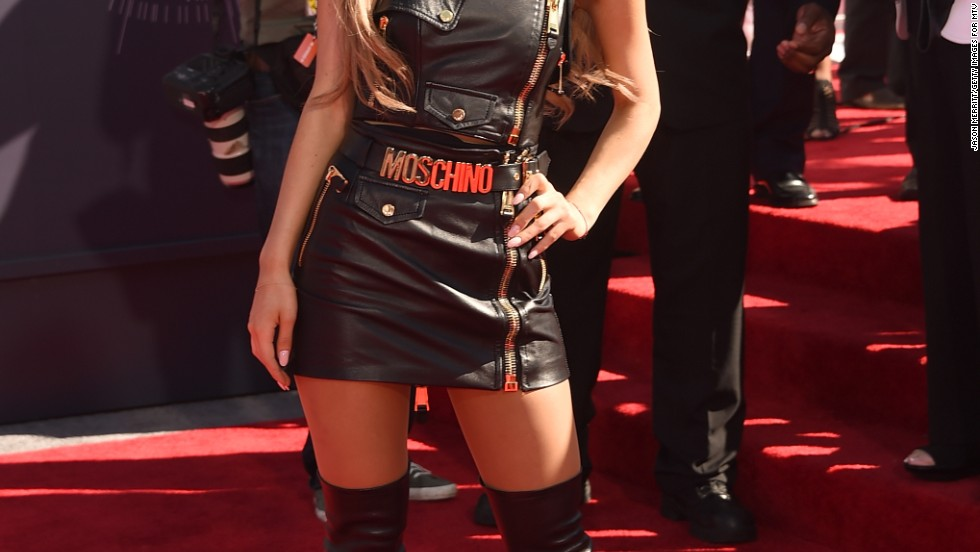 Ariana Grande rocks the red carpet at the 2014 MTV Video Music Awards on August 24 in Inglewood, California.