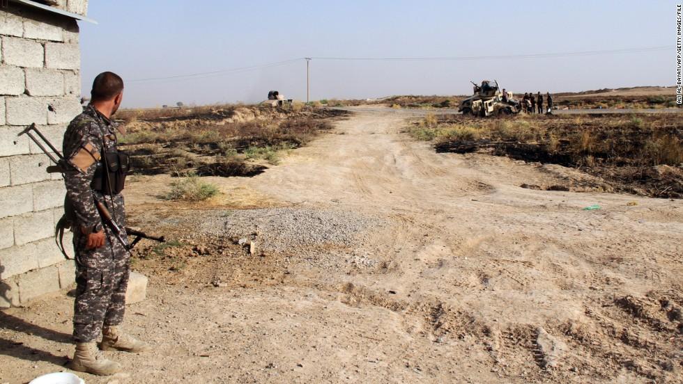 Siege of Iraqi town broken; U.S. lawmakers demand ISIS strategy