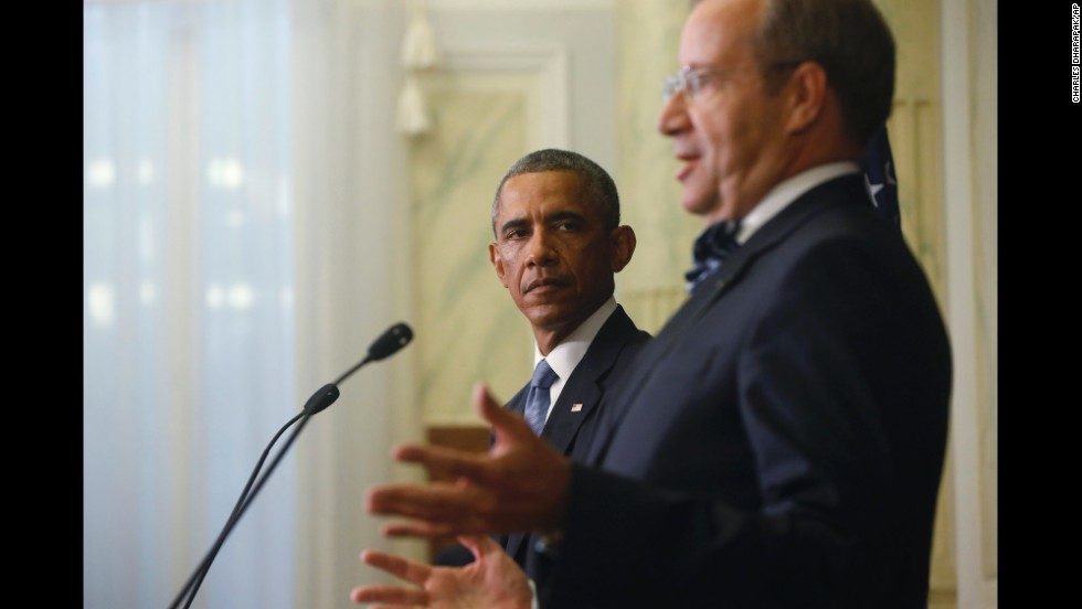 Obama and Estonian President Toomas Hendrik Ilves face reporters at a news conference in Tallinn on September 3.
