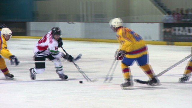 spc inside middle east ice hockey c_00010824.jpg