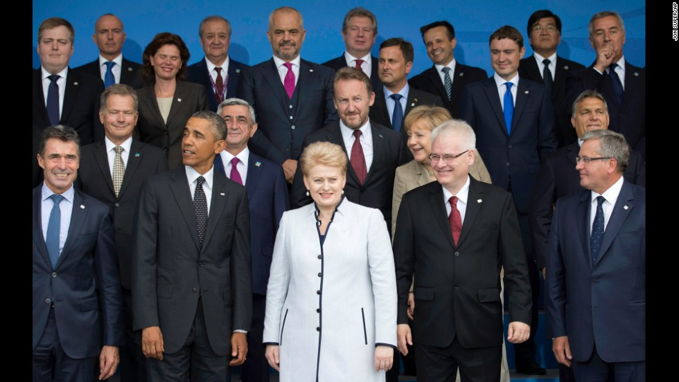 Obama and other world leaders pose for a photo during the summit on Thursday, September 4.