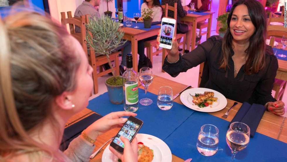 The company tapped into Instagrammers' food porn fetish by offering a fully comp dinner in exchange for a snap on the app.