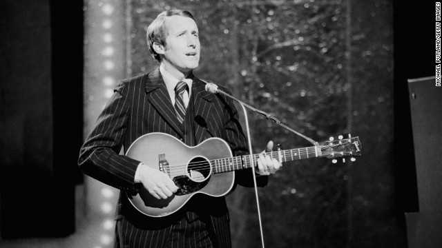 George Hamilton IV in concert on October 17, 1971.
