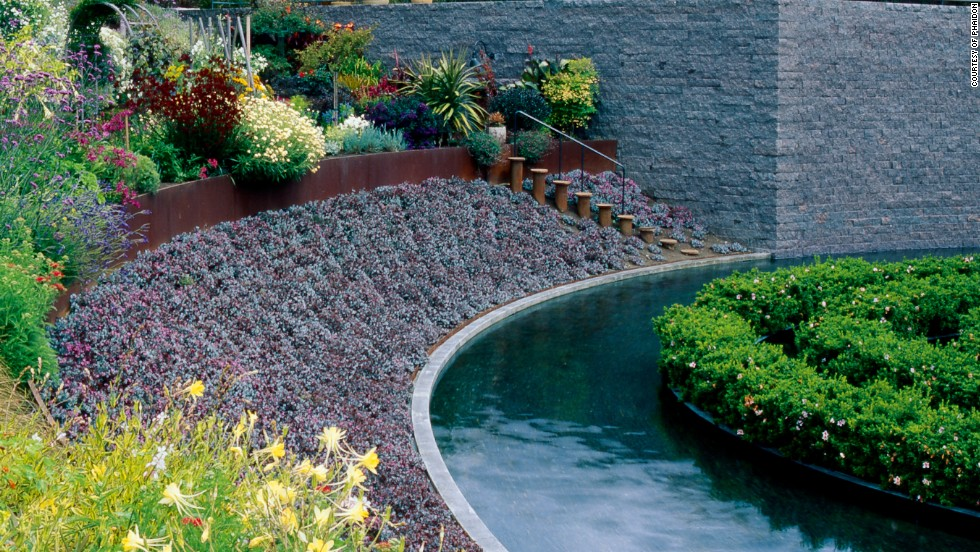 avant gardens when art design and plants collide cnn style - Garden Design Usa