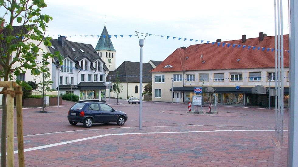 The German town of Bohmte was an early adopter of shared space in 2007.