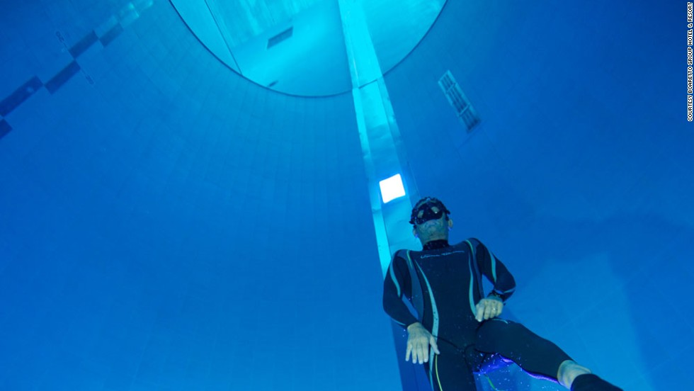Italian freediving champion Umberto Pelizzari attended the pool's opening.