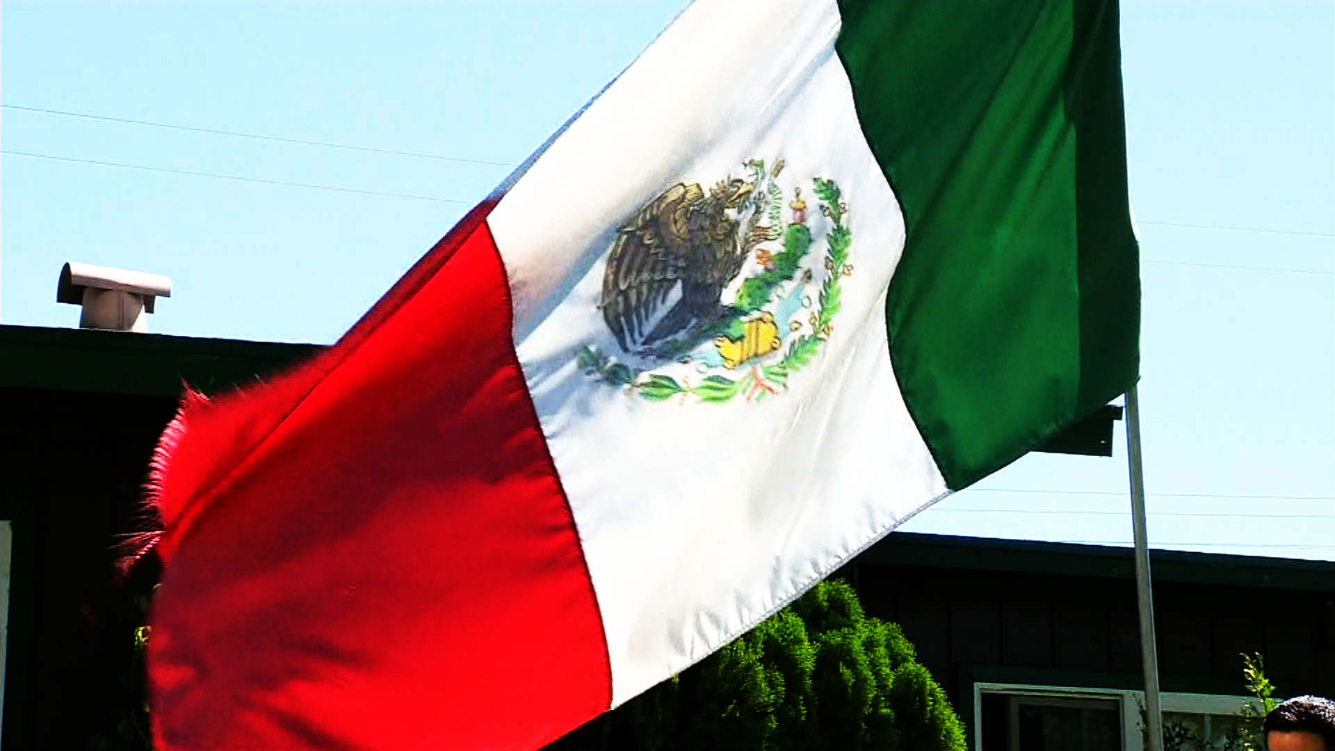 mexican flag confrontation goes viral cnn video