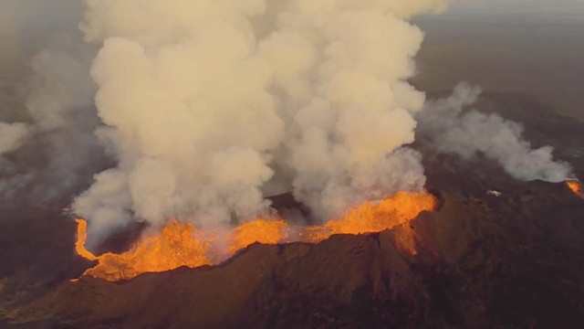 See amazing close-up of erupting volcano