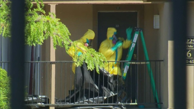 lead dnt savidge ebola apartment hazmat teams_00015117.jpg