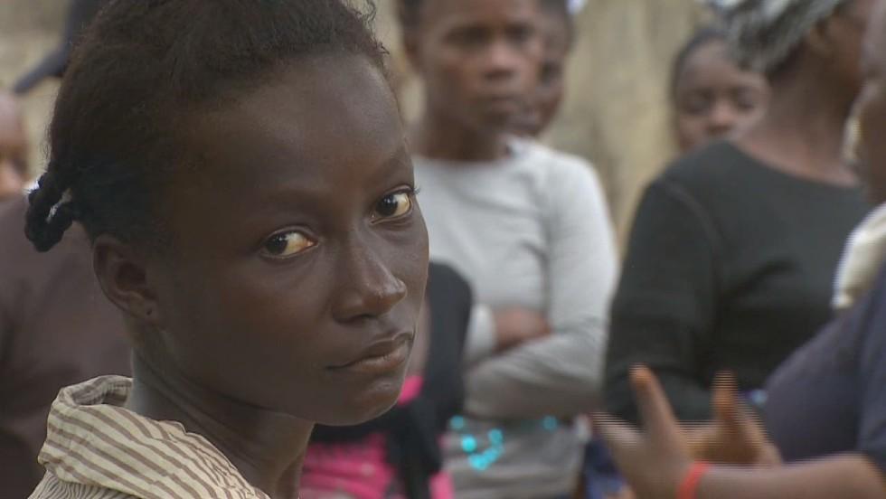 Tracing Ebola victim's contacts - CNN Video