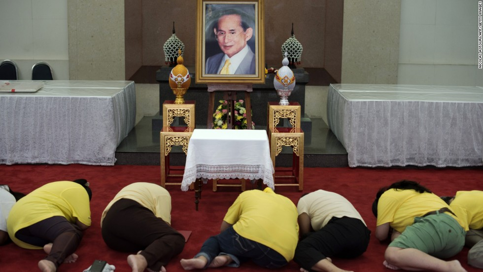 Thai king has gallbladder removed, condition 'satisfactory'