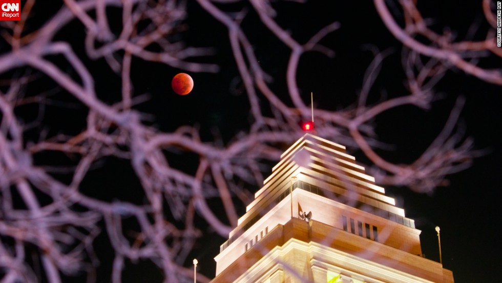 "There's a nice juxtaposition between the blood moon and a building in Los Angeles that made <a href=""http://ireport.cnn.com/docs/DOC-1177348"">Animesh Ray </a>wonder, ""Which is better?"" ""Perhaps it is not our place to compare but only to contemplate their mutual synergy, one enhancing the other,"" he said."