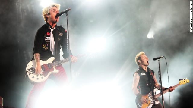Билли Джо Армстронг и Майк Дирнт из Green Day.