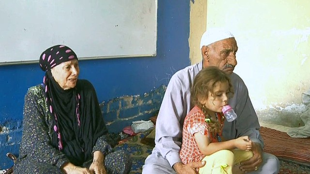 Iraqi refugees flee from ISIS