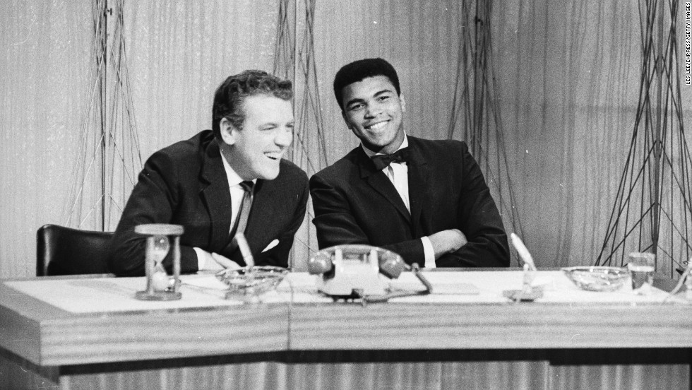 British talk-show host Eamonn Andrews shares a laugh with Ali in May 1966.