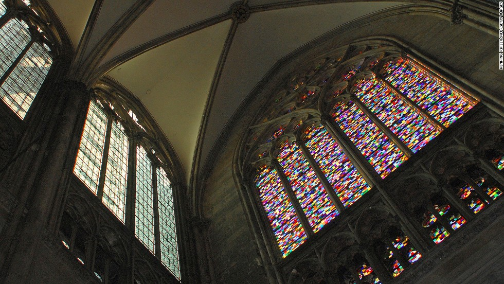 In 2007, he created stained-glass windows for the Cologne Cathedral in Germany, based on his works from 1974.
