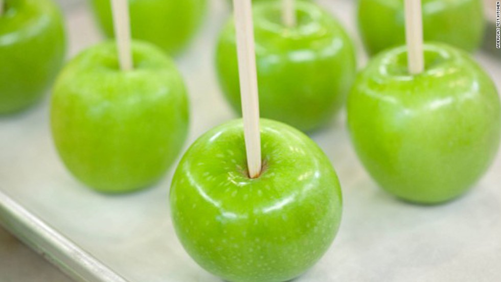 With their distinct combo of crisp and tart, Granny Smith apples simultaneously contrast and complement the soft, sweet caramel. Putting the apples on sticks makes them easier to dunk in the caramel and gives the recipe a nostalgic boost.