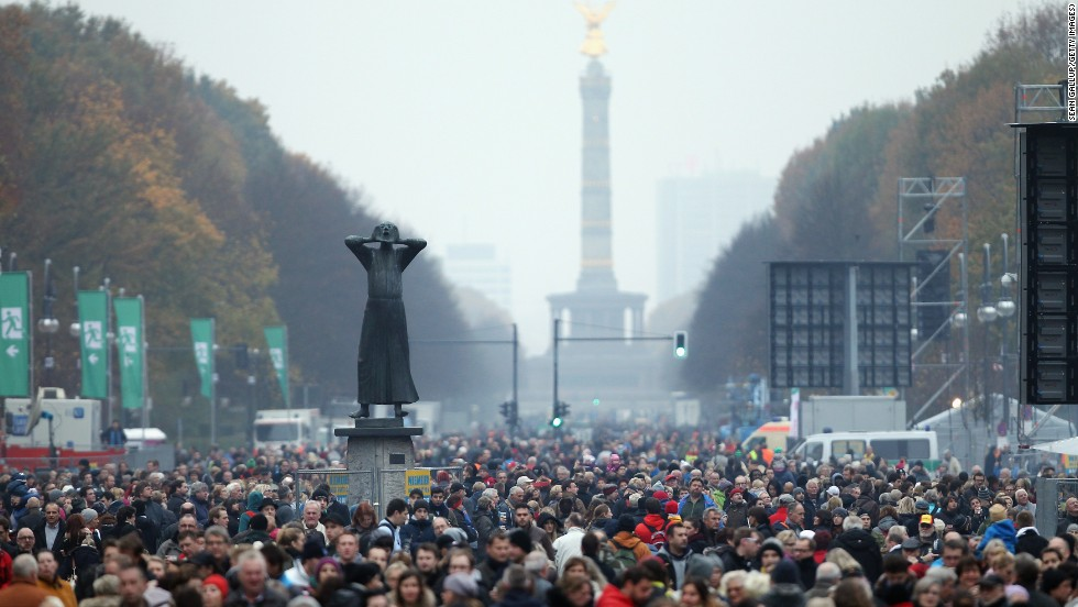 a introduction of cnn and the fall of the berlin wall Kids take a quiz or webquest on the cold war - berlin wall practice problems online test and questions for students.
