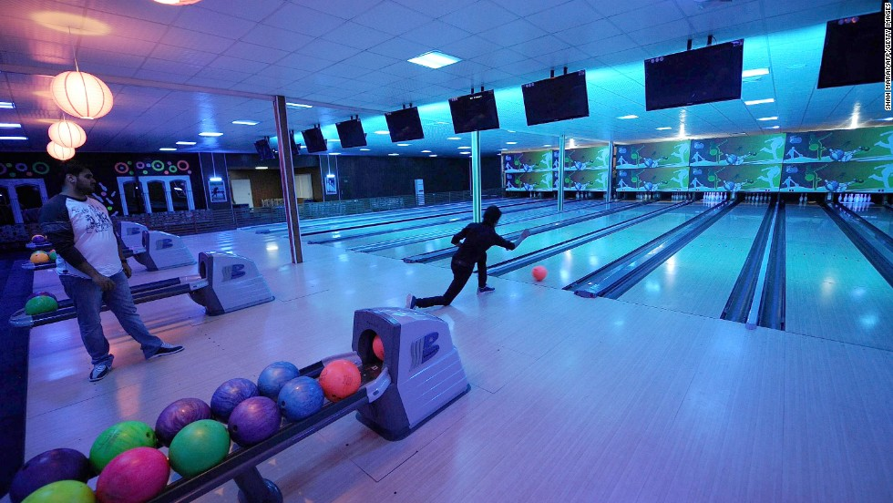 bowling lanes  unlimited beer  9 amazing work perks