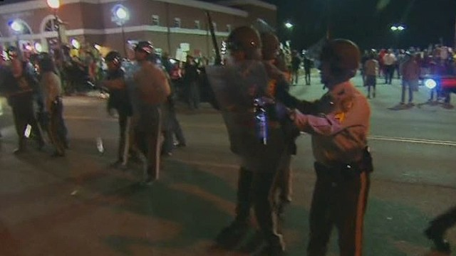 Ferguson gears up for grand jury decision