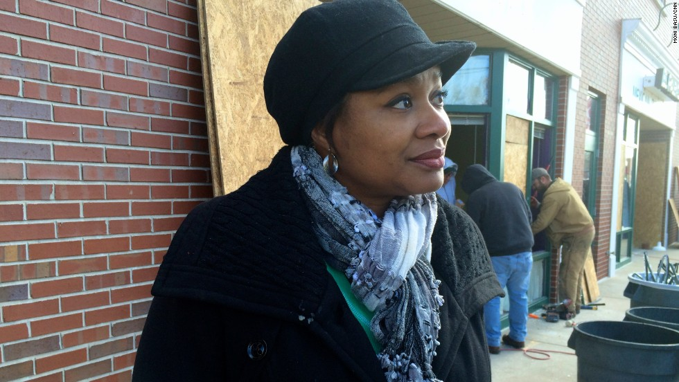 'I am overwhelmed': Acts of kindness in the midst of rage in Ferguson