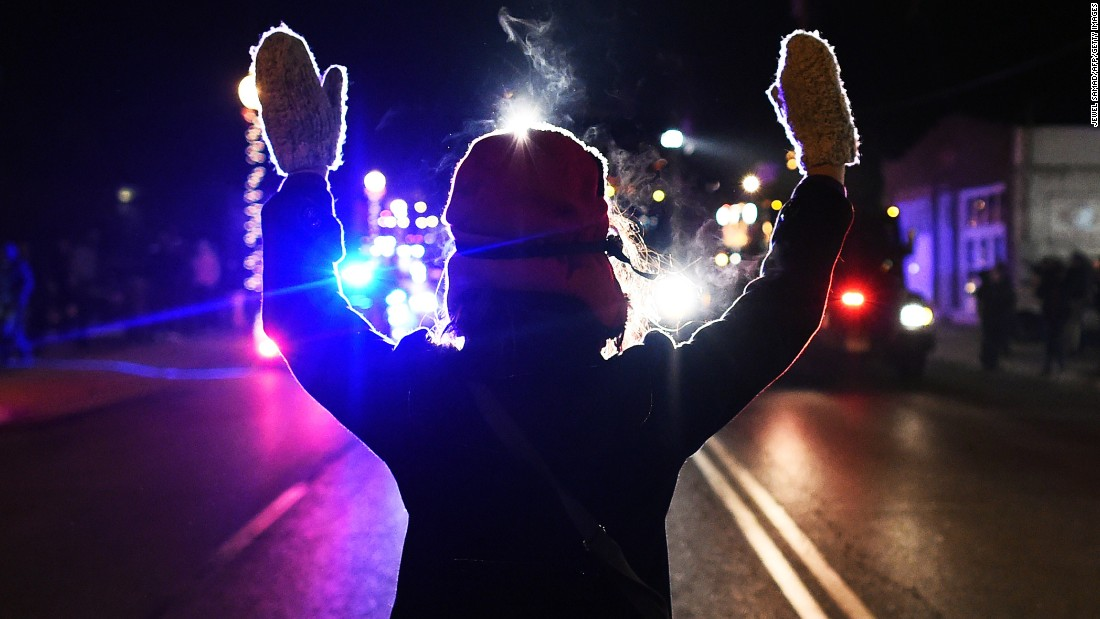 2 Ferguson police officers quit; court clerk fired after Justice report