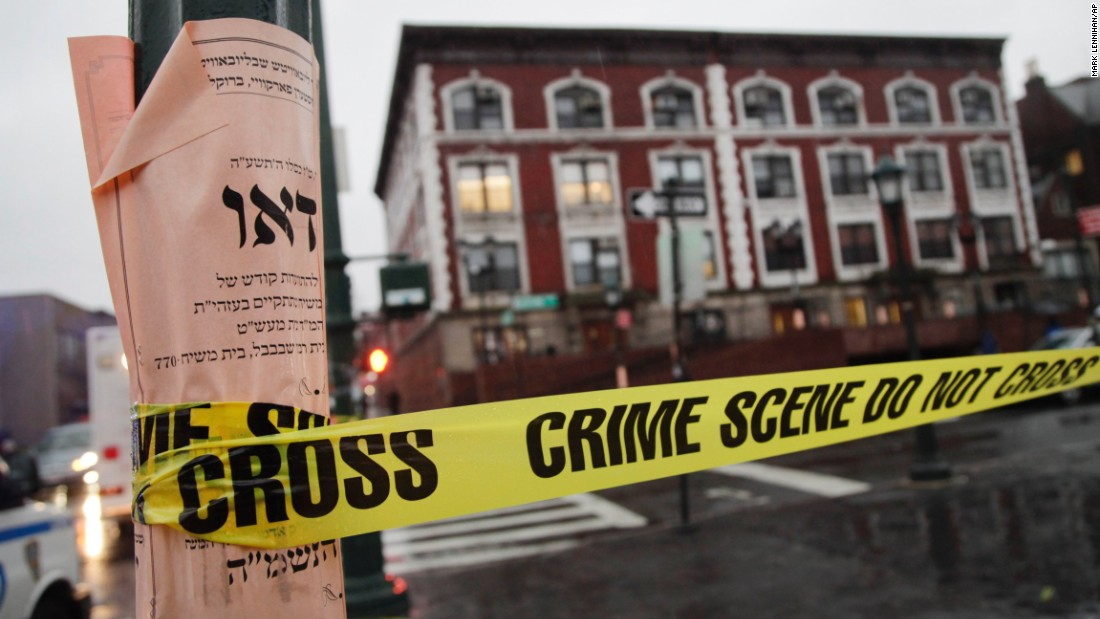 Intruder stabs student in NY synagogue, police say