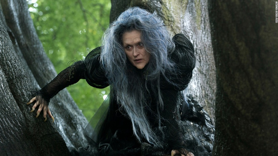 <strong>Mejor Actriz de Reparto: </strong>Meryl Streep en 'Into the Woods' (en la imagen), Patricia Arquette en 'Boyhood', Laura Dern en 'Wild', Keira Knightley en 'The Imitation Game' y Emma Stone en 'Birdman or (The Unexpected Virtue of Ignorance)'.