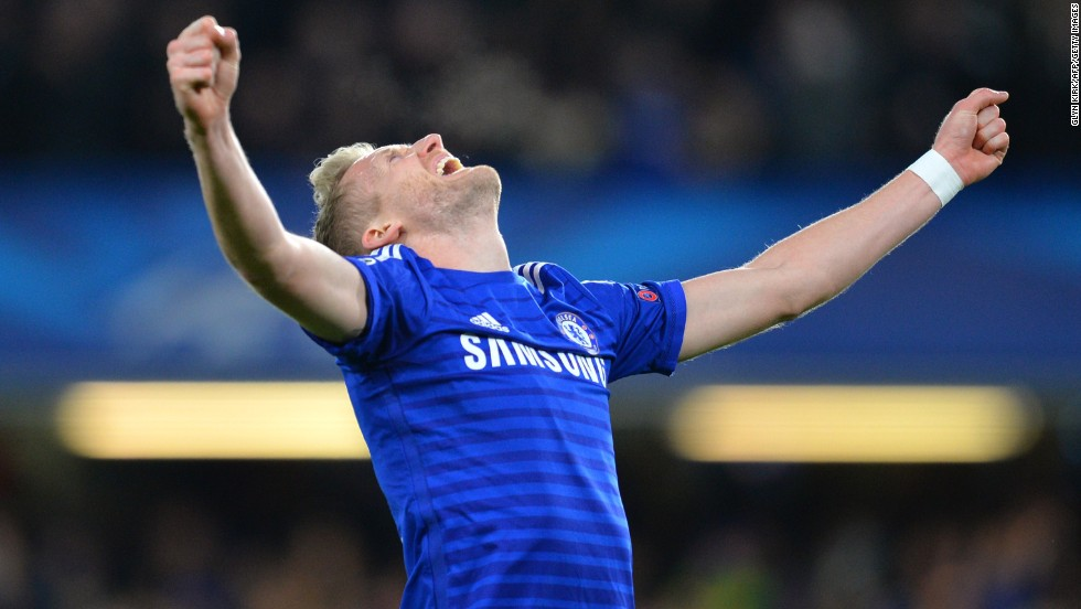 Andre Schurrle completed a deadline day move back to German football with Wolfsburg. Schurrle, who enjoyed mixed fortunes at Chelsea, signed a deal until 2019.