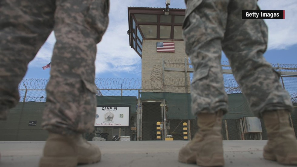 McCain prepared to help Obama close Guantanamo