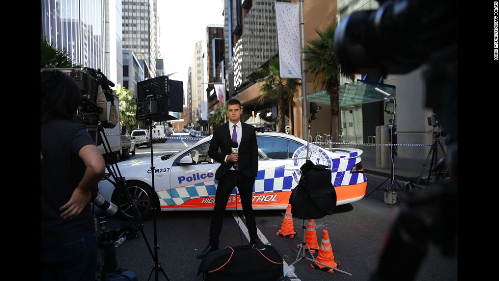 A journalist reports on the situation in Sydney.