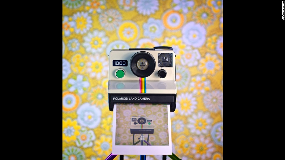 The Polaroid Land Camera 1000 seen here, was produced in the late 1970's. Photographer Jürgen Novotny created a series of camera 'selfies' set against backdrops which he felt bring out their best qualities.