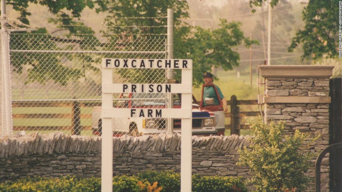 'Foxcatcher': The crazy du Pont next door