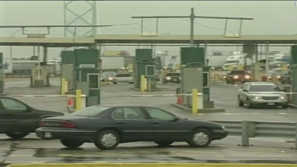 Officers shoot Canadian man holding handgun replica on U.S. border bridge