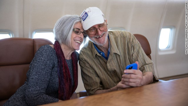 Alan Gross takes a selfie with his wife, Judy Gross, onboard a government plane headed back to the U.S., Dec. 17, 2014.