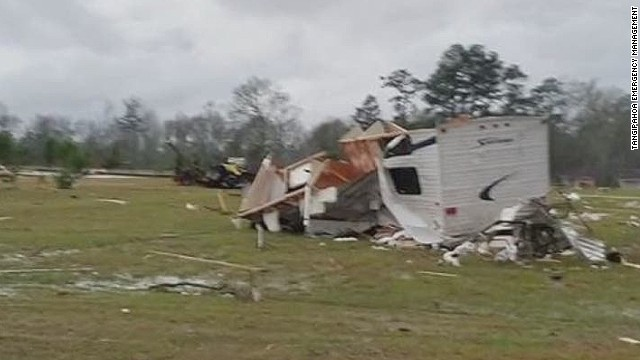 Several killed after tornado hits Miss.