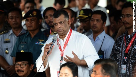 AirAsia Group CEO Tony Fernandes speaks during a press conference on search efforts for missing AirAsia flight QZ8501 on December 29, 2014.