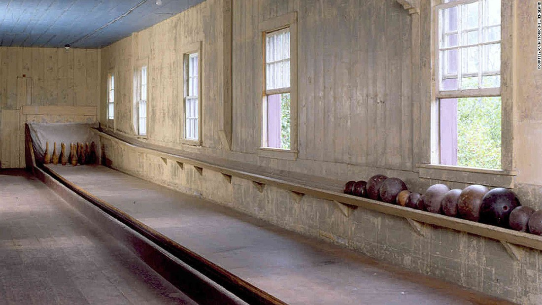 America\'s best old-fashioned bowling alleys | CNN Travel